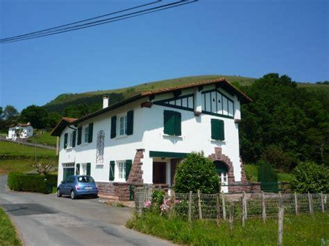 chambres d h es pays basque gîte pour 5 personnes à bidarray avec vue montagne