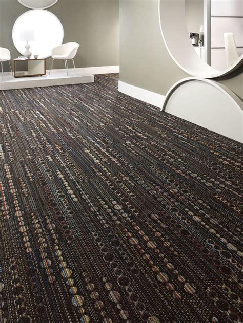 bigelow seek unique carpet tile 24 quot x 24 quot bt335