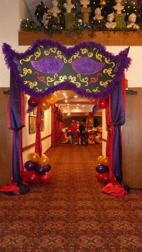 entrance arch  auditorium decorations   side