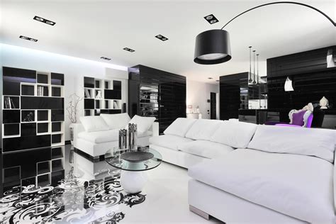 Home N Decor : Black And White Graphic Decor
