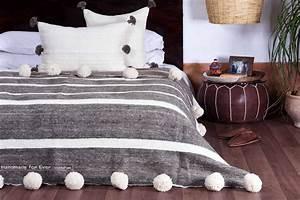 Coperta Di Lana Marocchina Con Pom Pom  100  Lana  Naturale Organico  Tessuto A Mano Su Telai In