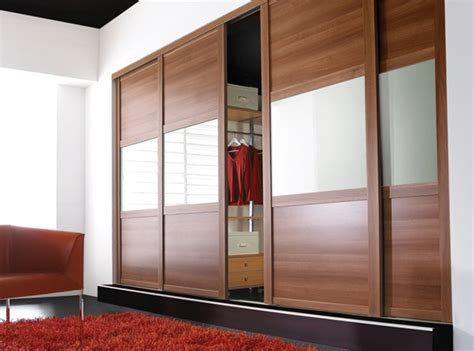Sliding Wardrobe Closet by Closet Style The Difference Between Walk In Reach In
