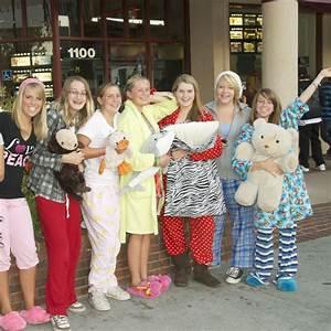 Pyjama Party Outfit : pajama party movie paso robles downtown main street association ~ Eleganceandgraceweddings.com Haus und Dekorationen