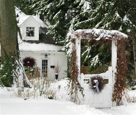 country christmas outdoor decor
