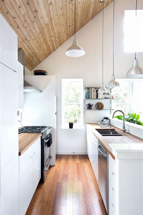 Galley kitchen design ideas for small kitchens with contemporary decorating styles highly feature beauty and functionality that applicable to create contemporary galley shaped kitchens and photos on this very post can be used as inspiration in how to design and decorate even remodel small. 50 Gorgeous Galley Kitchens And Tips You Can Use From Them