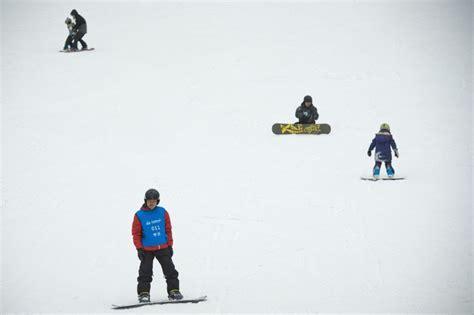ski en salle ski en salle 28 images en chine dans le plus grand parc de ski en salle du monde l obs en