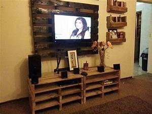 Pallet TV Stand Ideas Upcycle Art