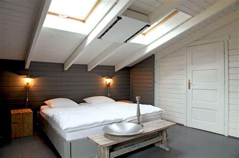 chambre sous les toits décoration chambre sous les toits