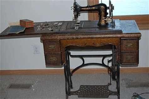 23 best davis sewing machine co incorporated images pinterest sewing machines treadle