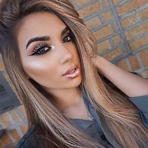 Lange Glatte Haare : frisuren frauen make up graues hemd hellbraune glatte lange haare trends pinterest ~ Frokenaadalensverden.com Haus und Dekorationen