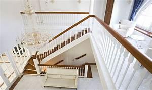 Treppe Handlauf Holz : exklusive holztreppen bei ihre treppe aus holz ~ Watch28wear.com Haus und Dekorationen