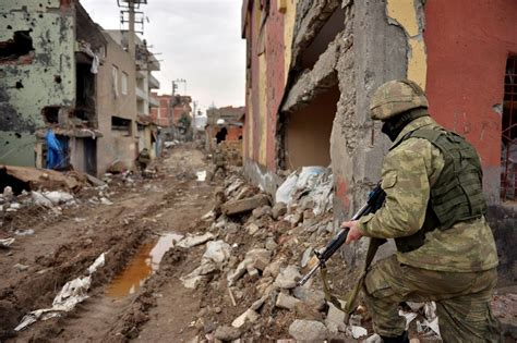 torn war country syria turkey europe battle against turkish looks forces increasingly edge kurdish reignited patrol militants cizre district security