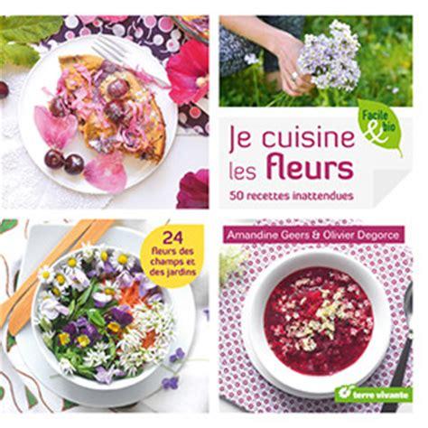 cuisiner avec des fleurs recette de beignets à la fleur de courgette