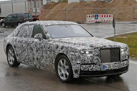 Rolls Royce Car : Next-gen Rolls-royce Phantom Spotted By Car Magazine