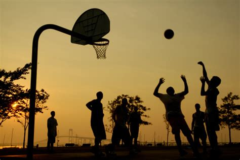 places  play  game  pick  basketball  los