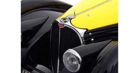 Um dieser sowohl technischen als auch gestalterischen legende der autoarchitektur gerecht werden zu können, hat die firma heinrich bauer feinste modellkunst und höchste präzision angewandt. 1:12 Bauer Bugatti Type 57SC Atalante 1937 желтый
