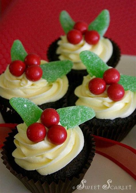 cupcake designs easy 30 easy christmas cupcake ideas