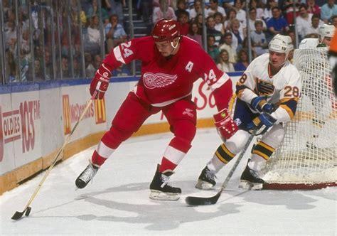 hockey enforcer bob probert paid  price  brain