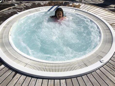 Guidelines For Grandchildren Using A Hot Tub Or Spa
