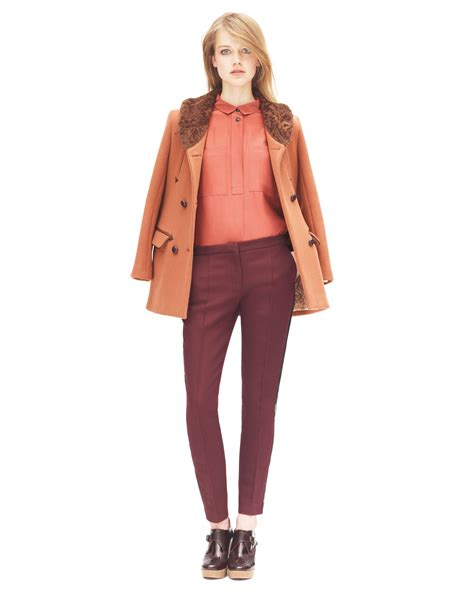 Women Fashion Clothes Guidelines Style Jeans