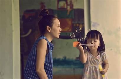 Mother Children Daughter Taking Wife Between Gifs