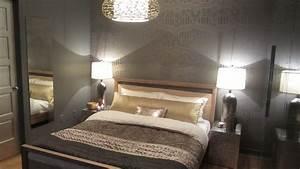 Papier Peint Chambre À Coucher : coussin traversin dor et papier peint de la chambre coucher d 39 lise guilbault dans le cadre ~ Nature-et-papiers.com Idées de Décoration