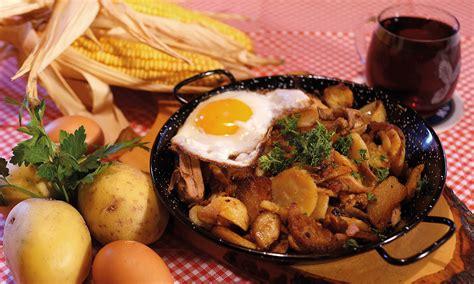 Speisen und Getränke - Die urige Almhütte