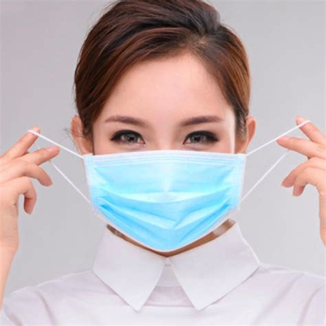 hayfever sufferers  masks   japanese people