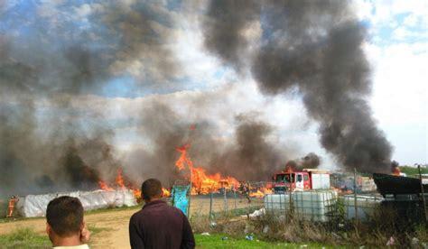 El Incendio En El Asentamiento De Lepe Ha Afectado A 30
