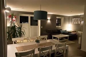 Graue Wand Wohnzimmer : wohnzimmer streichen welche farbe genial wohnzimmer wandfarbe dunkelgrau stehspiegel optisch ~ Indierocktalk.com Haus und Dekorationen