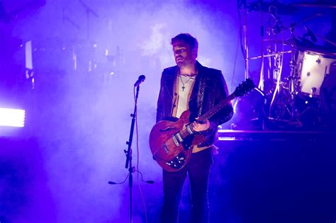 Review  Kings Of Leon Conquered The Cold With Their Fans