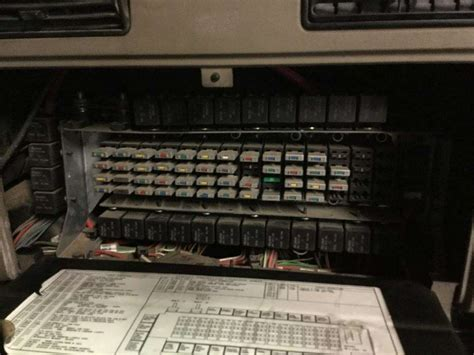 Layout For 2003 Fuse Box by International Truck Fuse Box Wiring Schematic Diagram