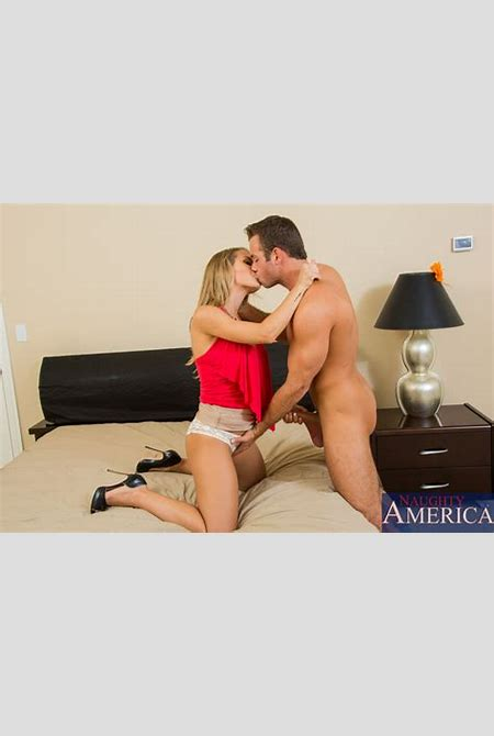 YourDailyPornstars.com :: Naughty America Nicole Aniston My Dads Hot Girlfriend