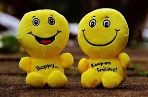 Smiley Laugh Fu... Funny Emoticon Quotes