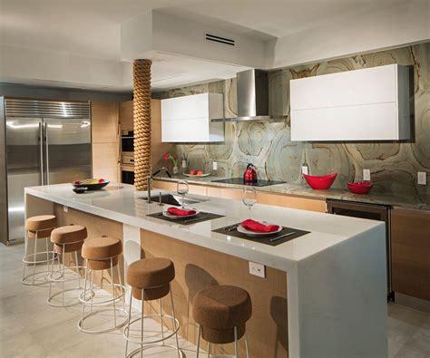 photos de belles cuisines modernes appartement design luxe avec superbe vue sur la mer à miami vivons maison