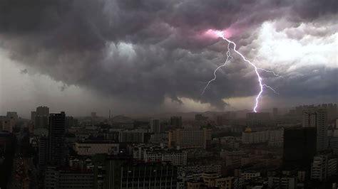 thunderstorms  science bit itv news