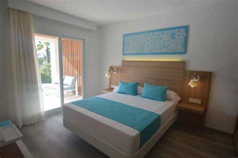 stratifié chambre lit hôtel piment décoration mobilier hôtellerie et