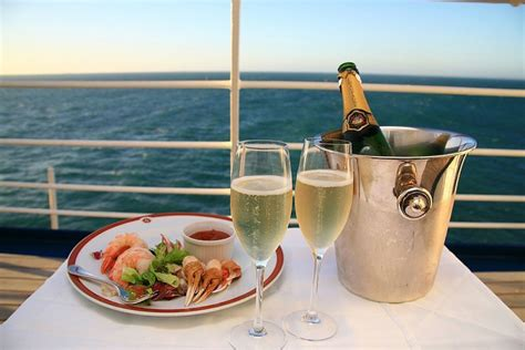 Book a cruise departing sydney 2021 online at carnival! Sydney Harbour 3-Hour Lunch Cruise with Live Music on TourMega - TourMega