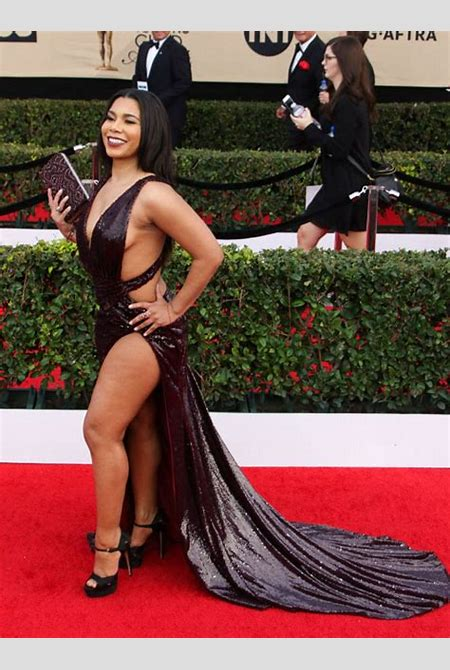 Jessica Pimentel Hottest Photos   23 Sexy Near-Nude Pictures, GIFs