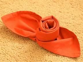 noeud de chaise mariage pliage de serviette facile et original 40 idées