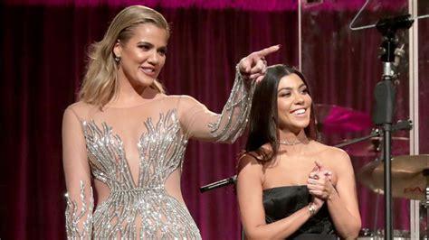 Khloe and Kourtney Kardashian Gifted Fried Chicken Cakes ...
