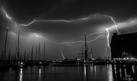 Großes Bild über by Gewitter 252 Ber Stralsund Blitz Hafen Schwarz Wei 223