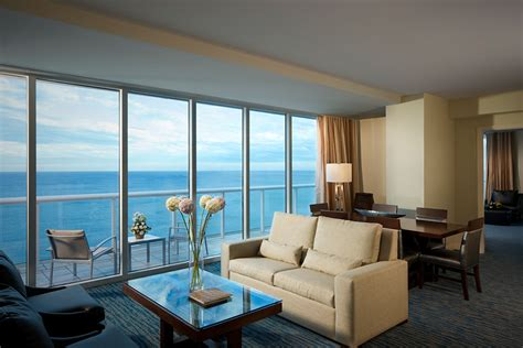 oceanfront penthouse  king bedrooms magellan luxury