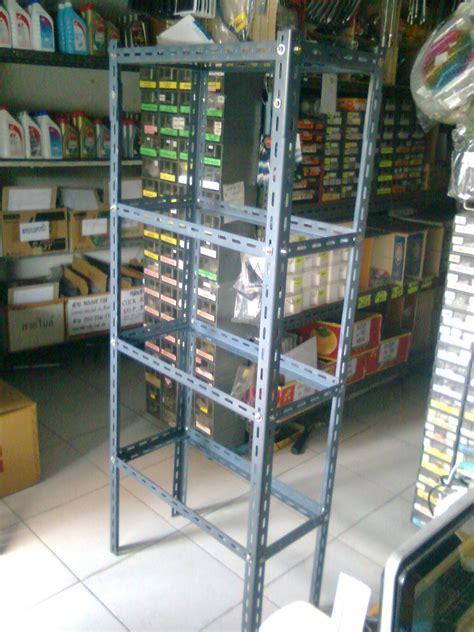 ชั้นวางของเหล็กฉาก - Thai News Collections