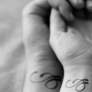 Tatouage Couple Original : tatouage couple identique 15 id es de tatouages faire ~ Melissatoandfro.com Idées de Décoration