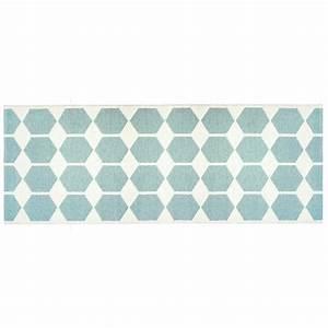 Tapis de couloir tapis long en pvc anna par brita sweden for Tapis couloir avec gifi canapé lit