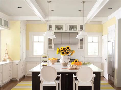 Benjamin Moore's Picks Lemon Sorbet As Its Color For 2013