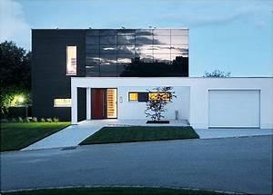 Solaranlage Für Einfamilienhaus : photovoltaik fassade konstruktion und praxisbeispiele ~ Sanjose-hotels-ca.com Haus und Dekorationen