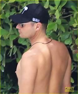 Ryan Seacrest Goes Shirtless With Bikini Clad Girlfriend