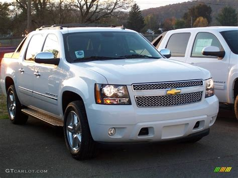 2009 Chevrolet Avalanche Photos, Informations, Articles